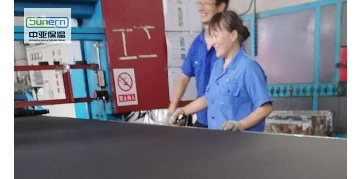供应大量批发b1级橡塑保温板